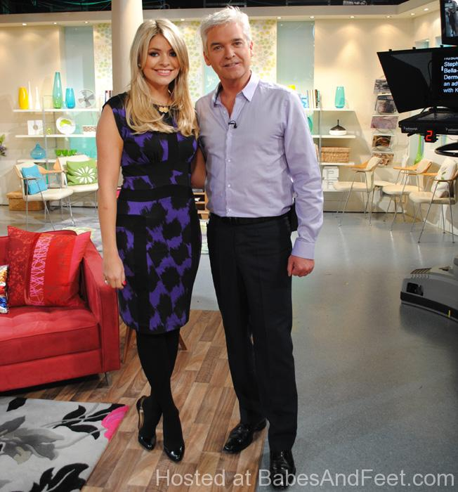 hollywilloughbydippingthismorning (1)